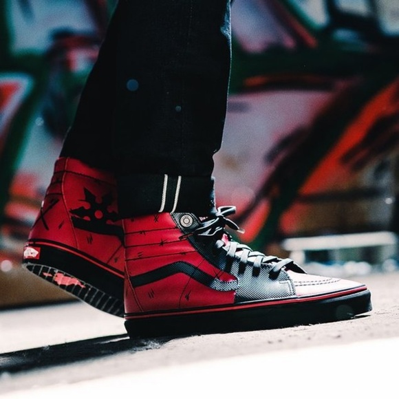 New VANS UNISEX X MARVEL SK8-HI DEADPOOL NWT